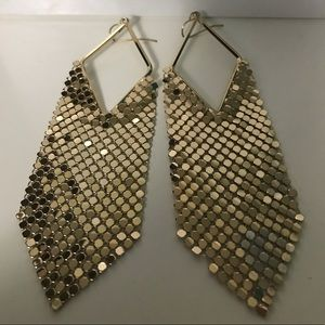 Jewelry - Gold costume jewellery earrings